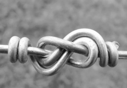Fencing wire knot